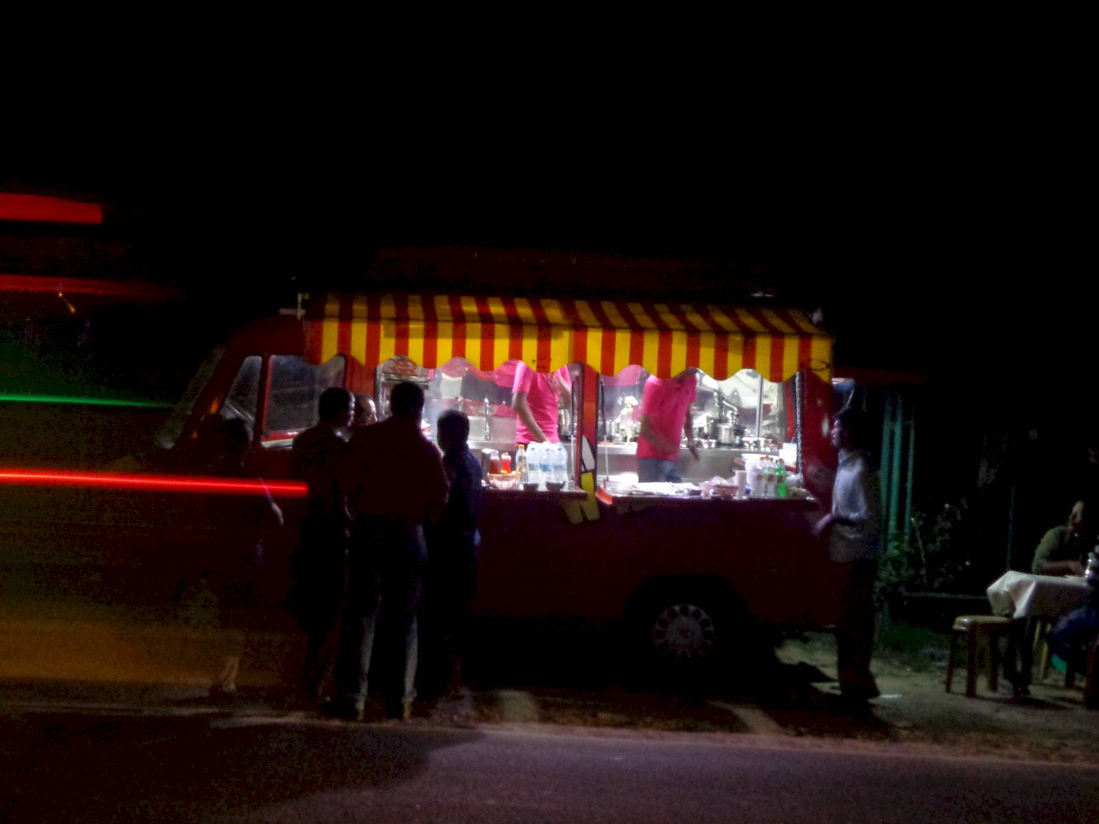 Roadside, mobile eateries, that operate after evening, are abundant in Munnar. I have seen similar mobile eateries in Shillong.