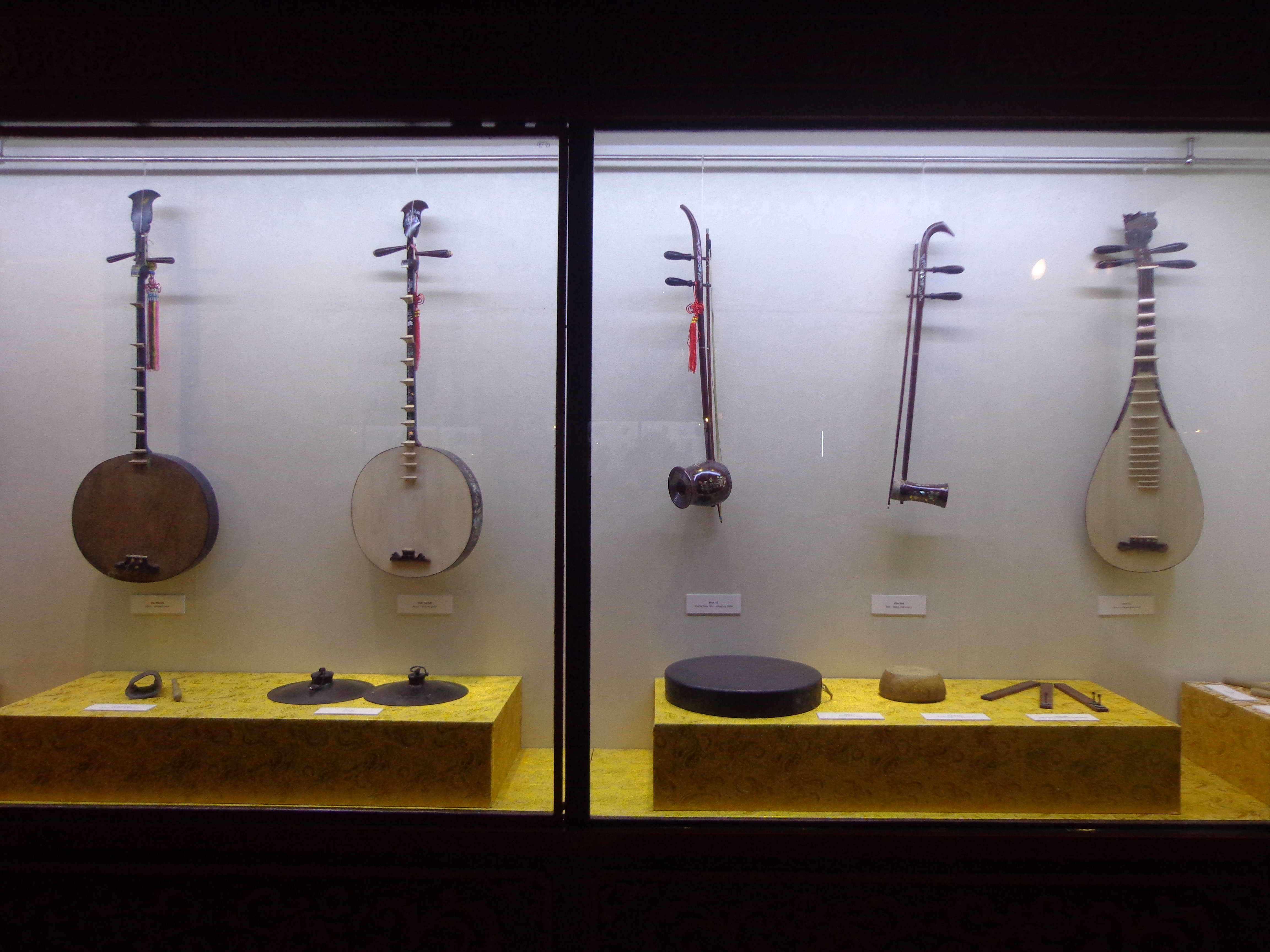 Classical instruments used by the royal theatre.