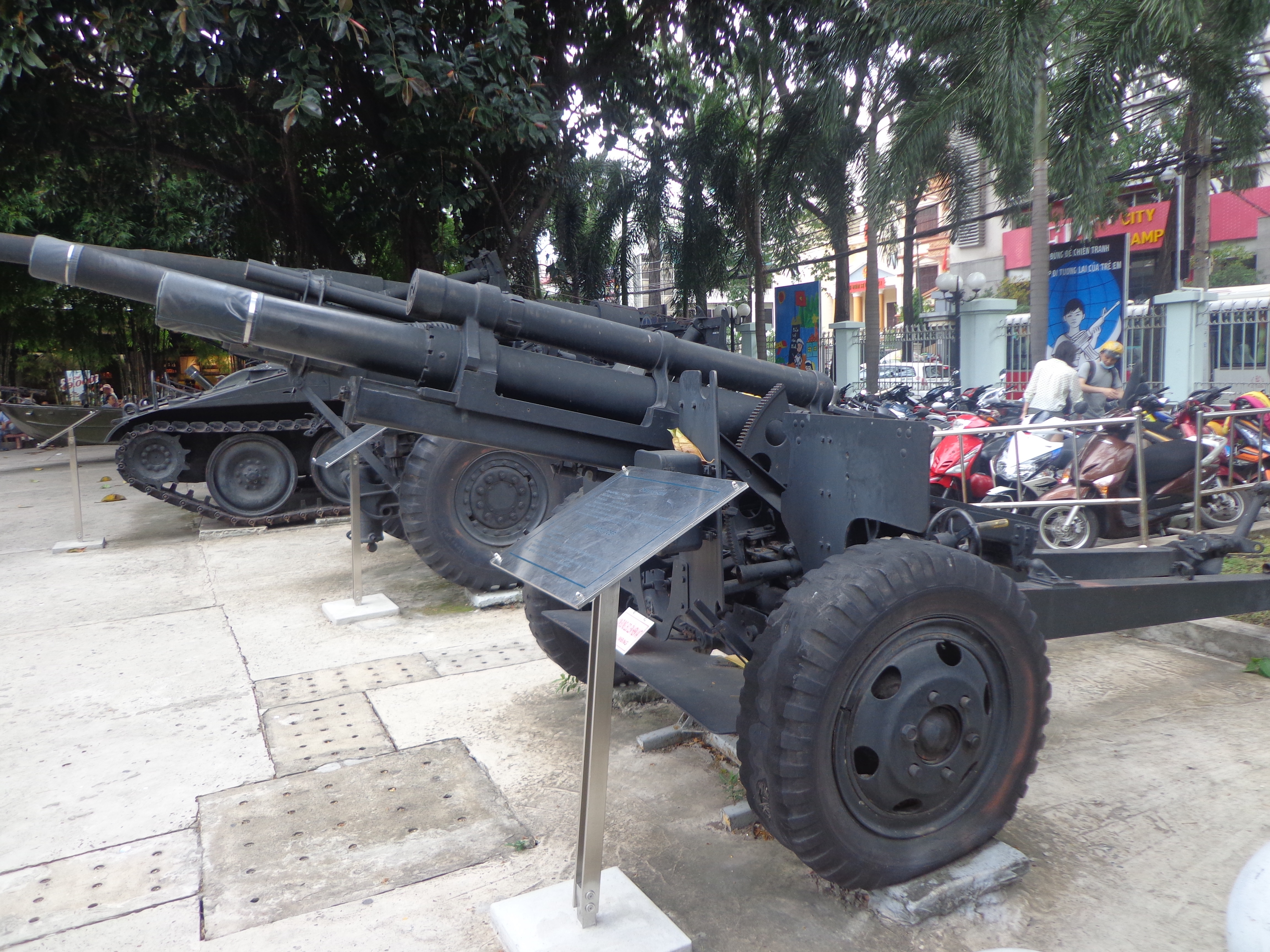 Some heavy artillery on display outside the museum building.
