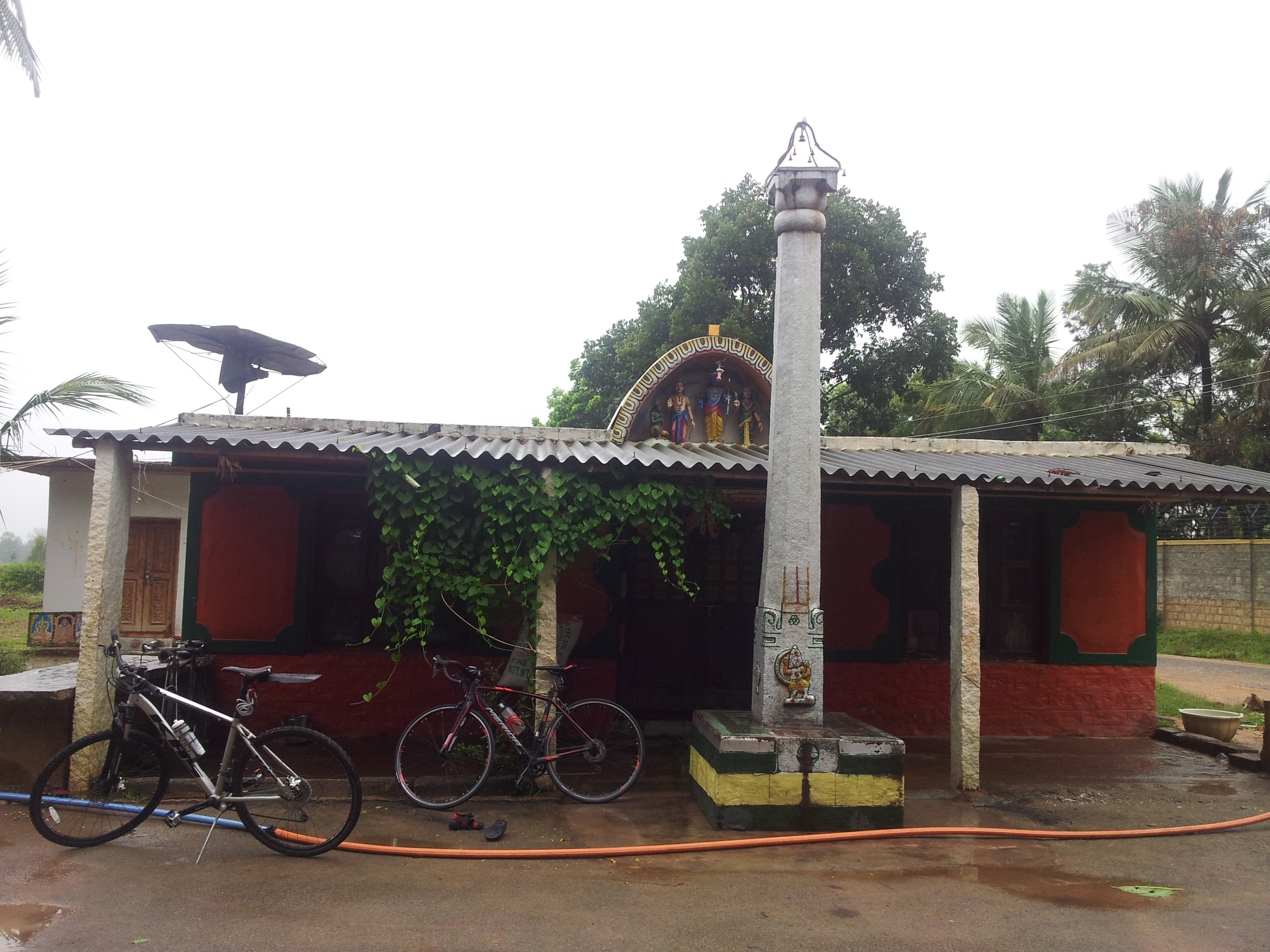 This temple is just opposite to Indian Veterinary Research Institute. It was a nice spot before we hit the cobbles.