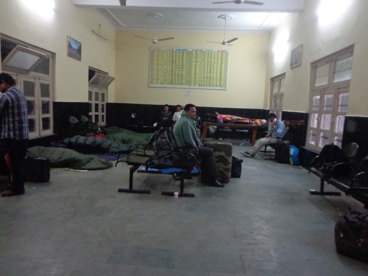 The waiting room at Pathankot Cantt. station was pretty clean.