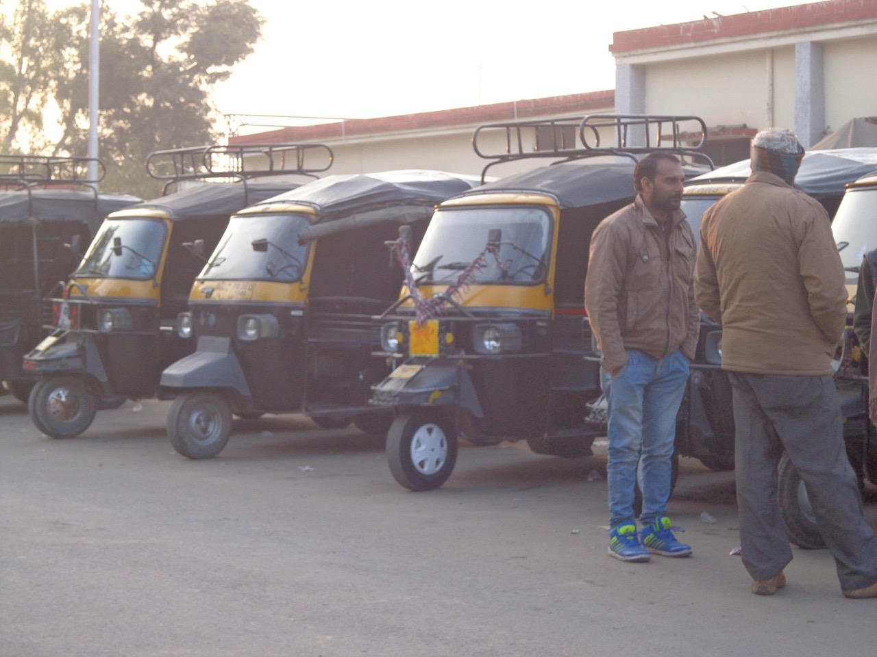 These auto rickshaw's are over designed. They carry a huge amount of load.