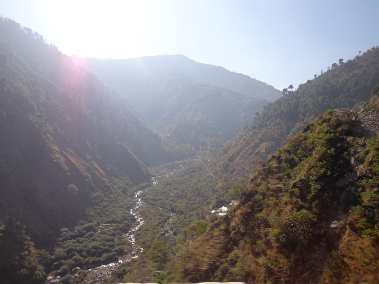 The Ravi river cuts right through the mountains.