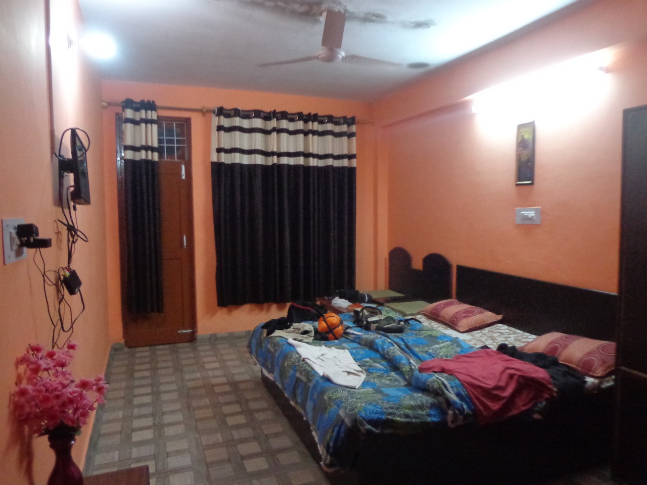 My room in Backpackers Inn. It has a balcony, too.