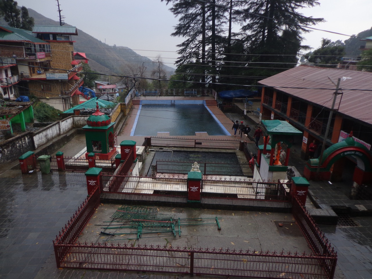 The courtyard of Bhaksunag temple has a swimming pool.