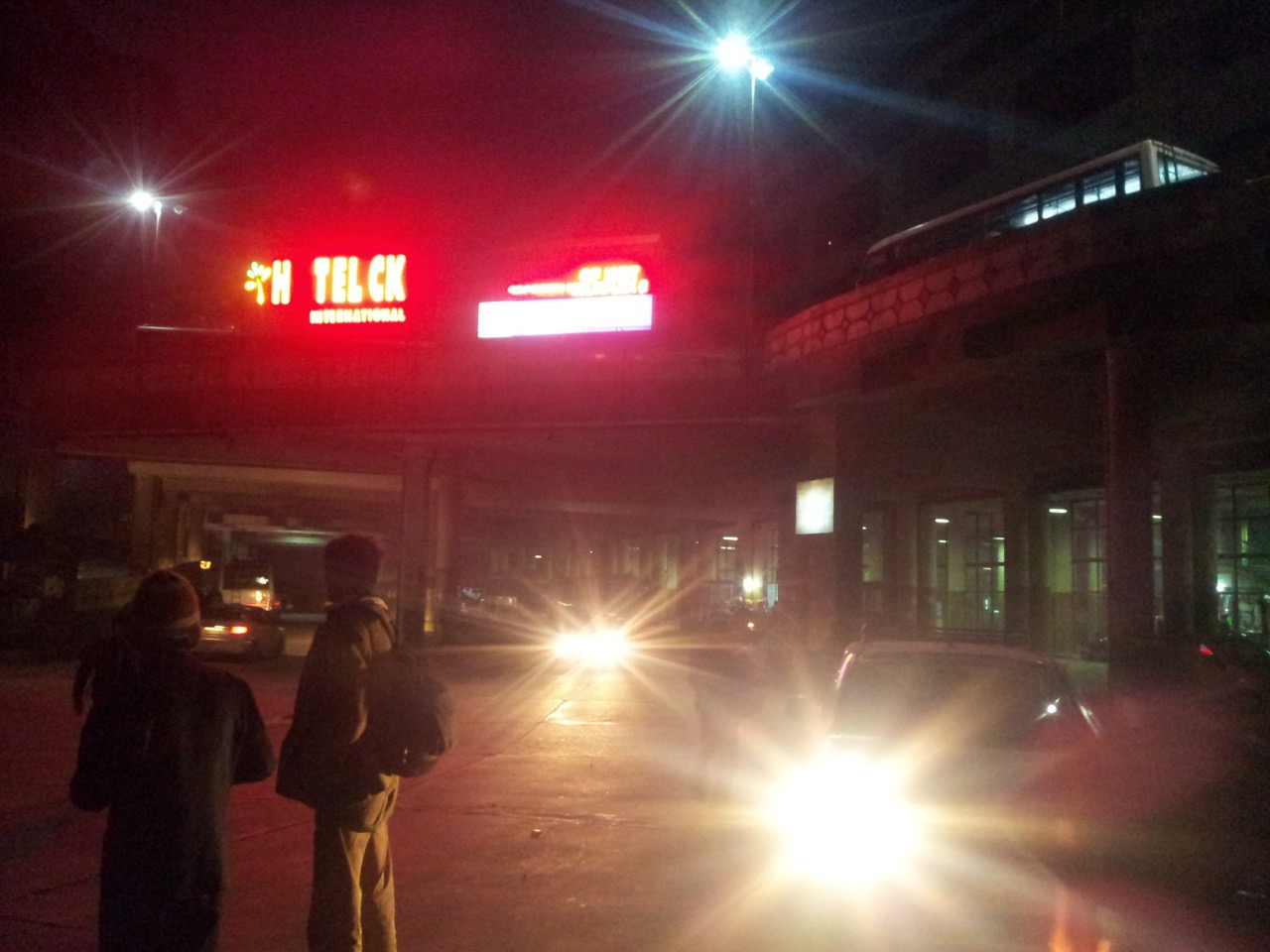 Shimla's new bus stand. At 6:00 pm, there wasn't a shade of light left.