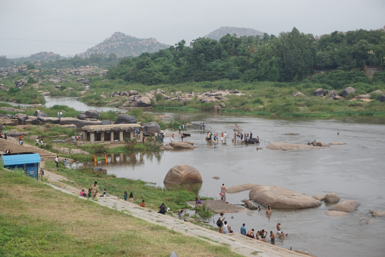 This place, right across the Virupaksha temple is the dock. Once can take a motorboat for 10 rupees and get across to Hampi island.