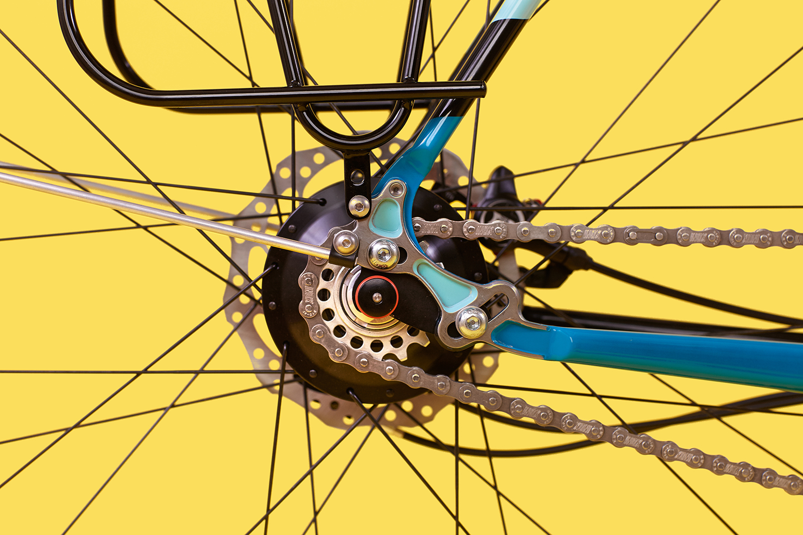 Notice the two mounting points near the rear dropout for fenders and panniers.